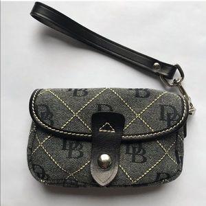 Dooney & Bourke Wristlet / Bag
